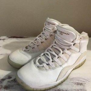 Air Jordan 10 Retro OVO Mens. Drake.